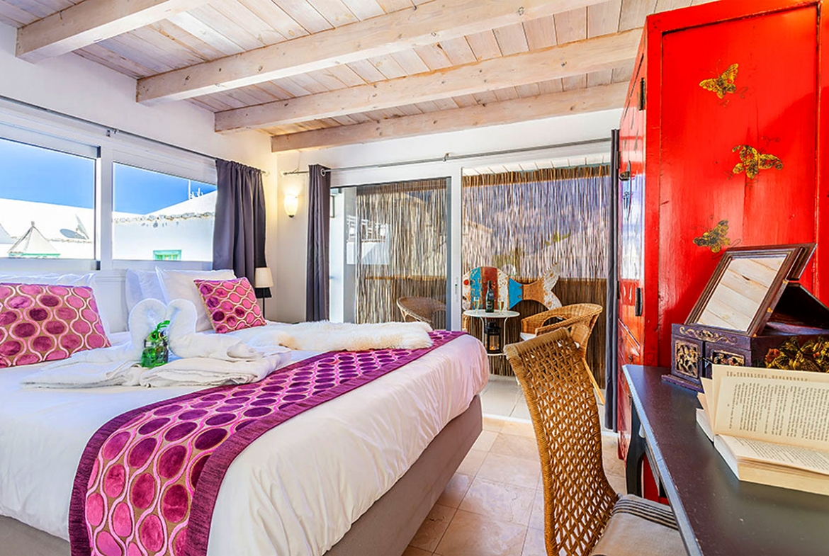 Beachside property in Costa Teguise
