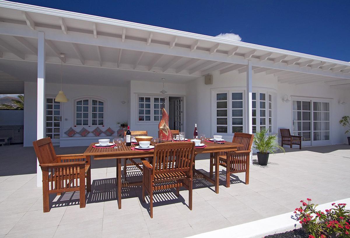 Villa for sale in Puerto Calero
