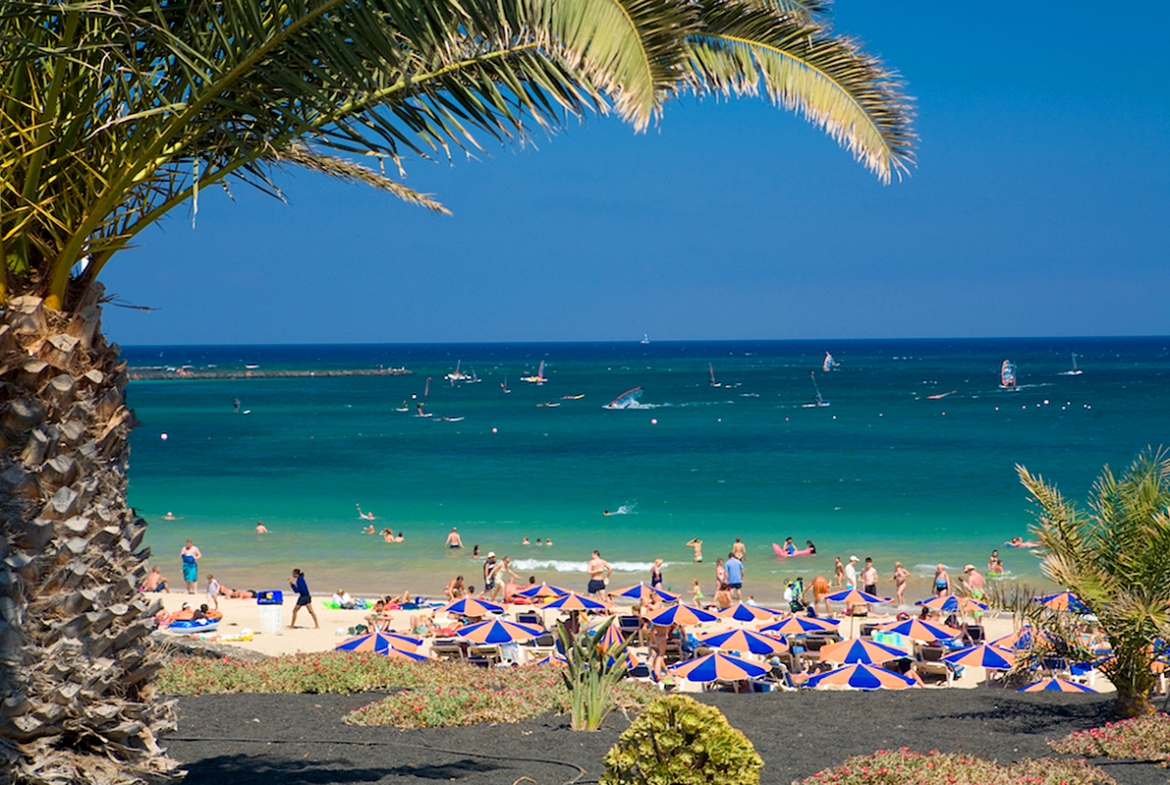 Beach View Penthouse in Costa Teguise1