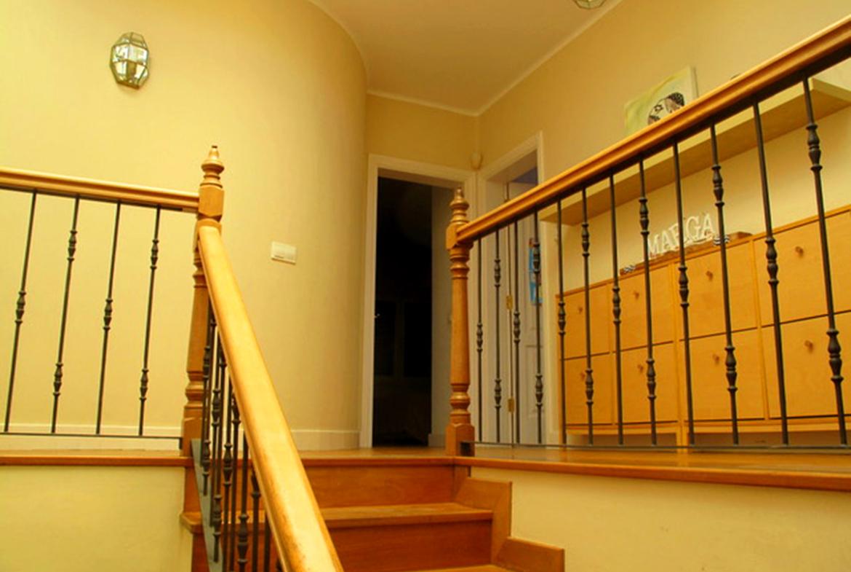 upper floor stairs