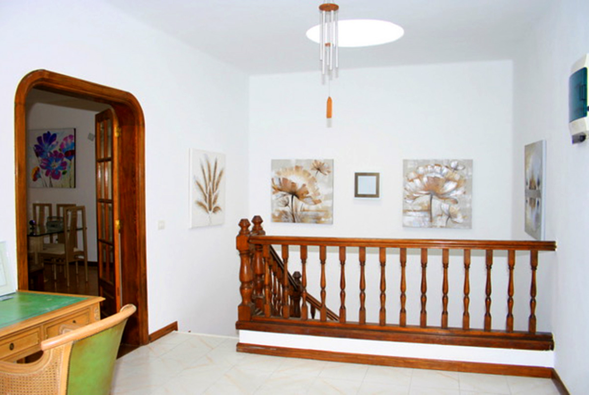 upper landing and stairs